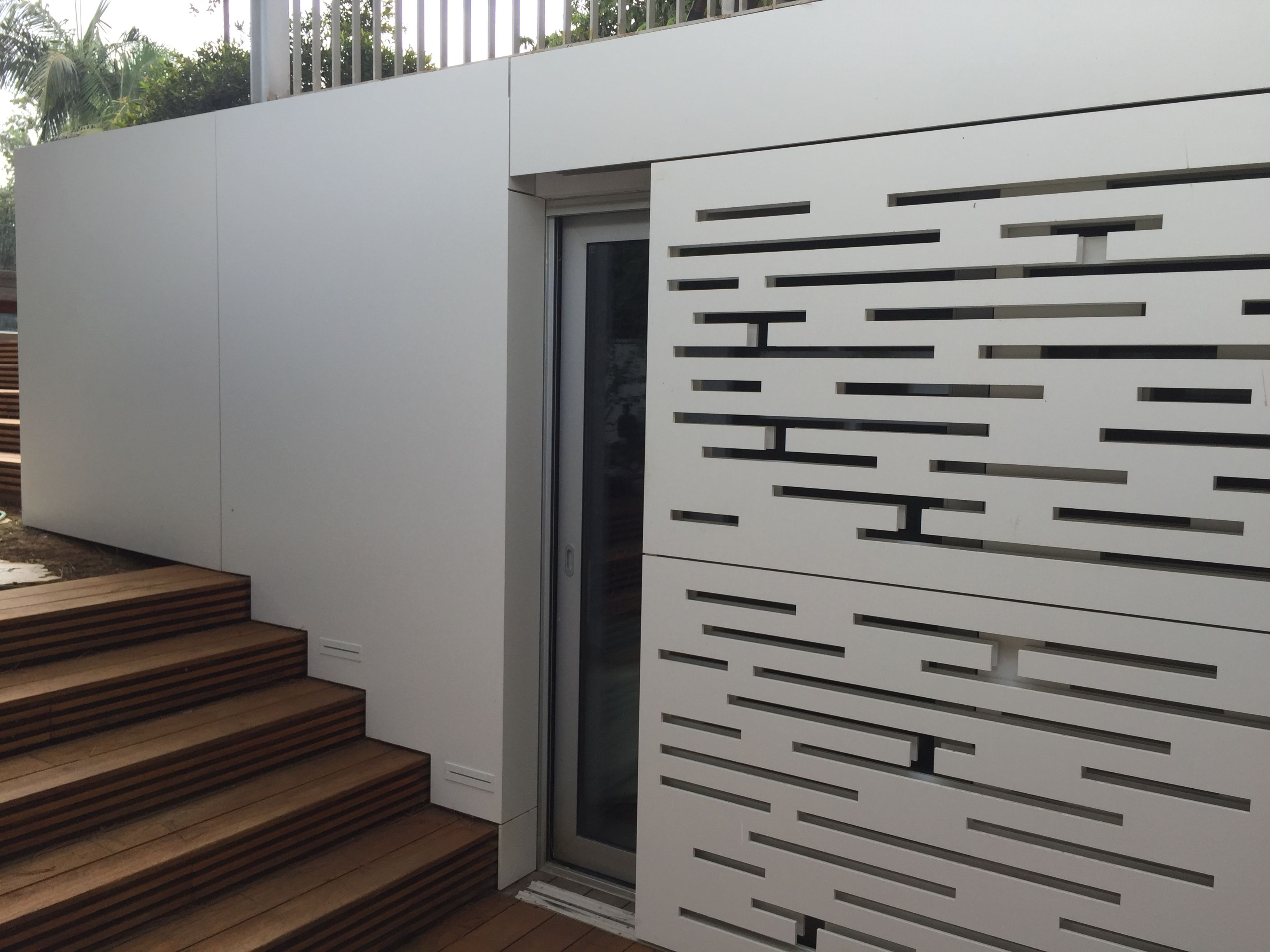 Perfekt We Can´t Stop Looking At This Garage Door Entrance Cladding With Dekton  Zenith!