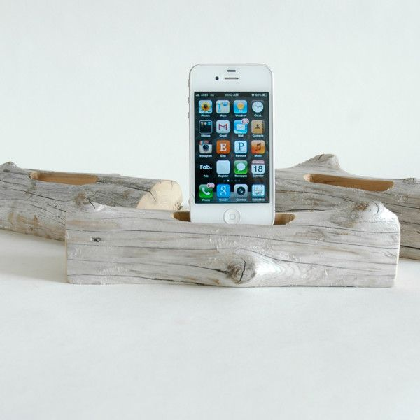 DIY Inspiration: Driftwood iPhone Dock
