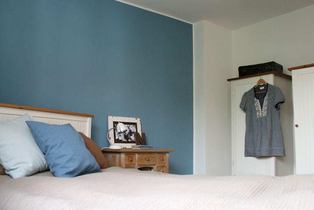 Cool down blaue Wand im Schlafzimmer Blaues