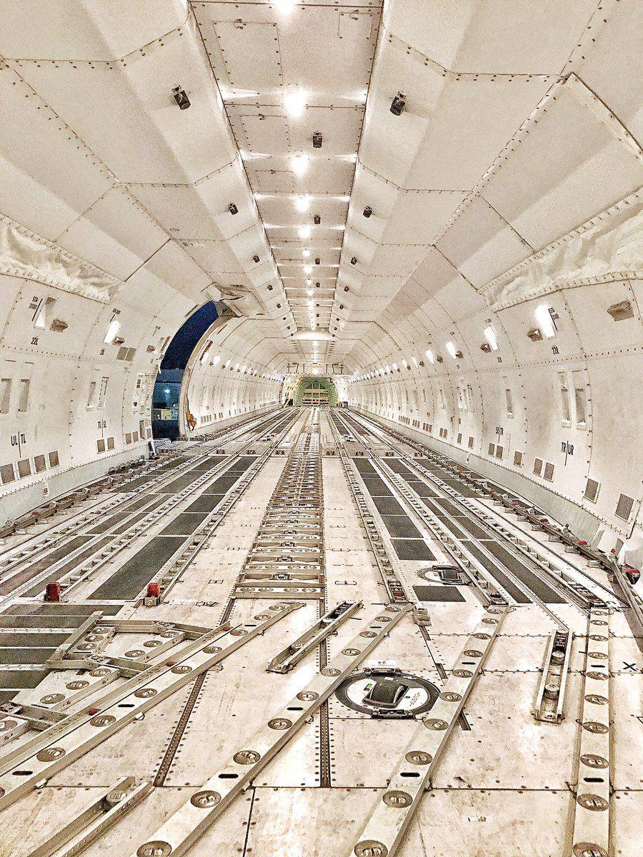 freighter interior by miami rick also pinterest aviones rh co