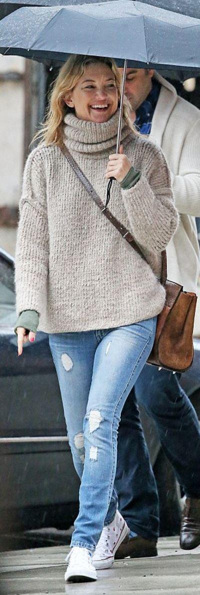 Kate Hudson: Sweater – Smythe Shoes – Converse | *My ...
