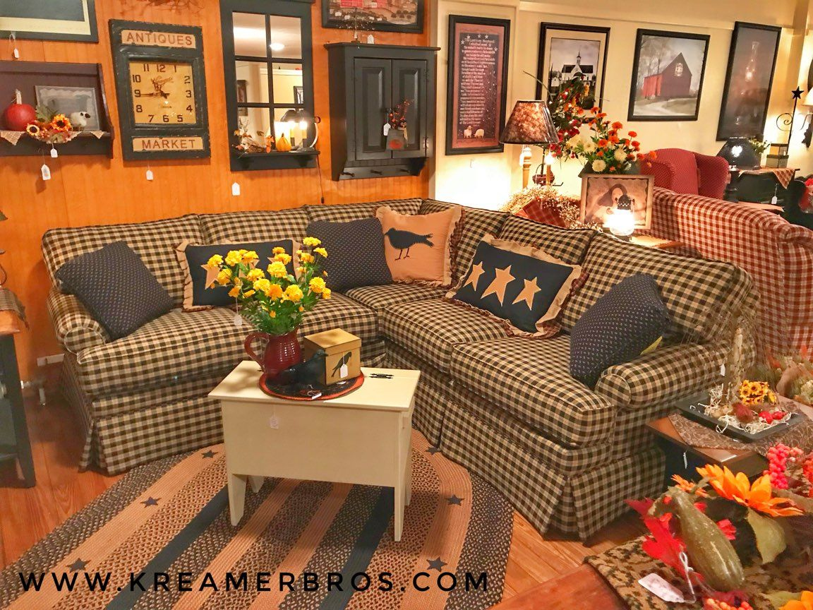 Comfortable Country Sectional Sofa With Kick Pleat Skirt