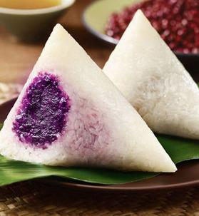 Rice dumplings with purple sweet potato stuffing