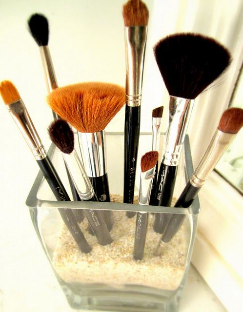 Makeup Organization- Use Sand vs. Clear Beads to hold brushes