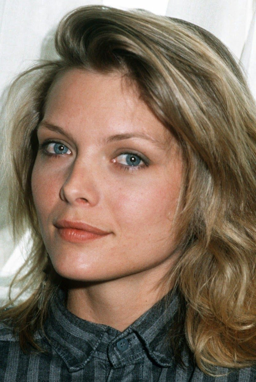 Sense Of Chanel 90s Michelle Pfeiffer Blonde Actresses
