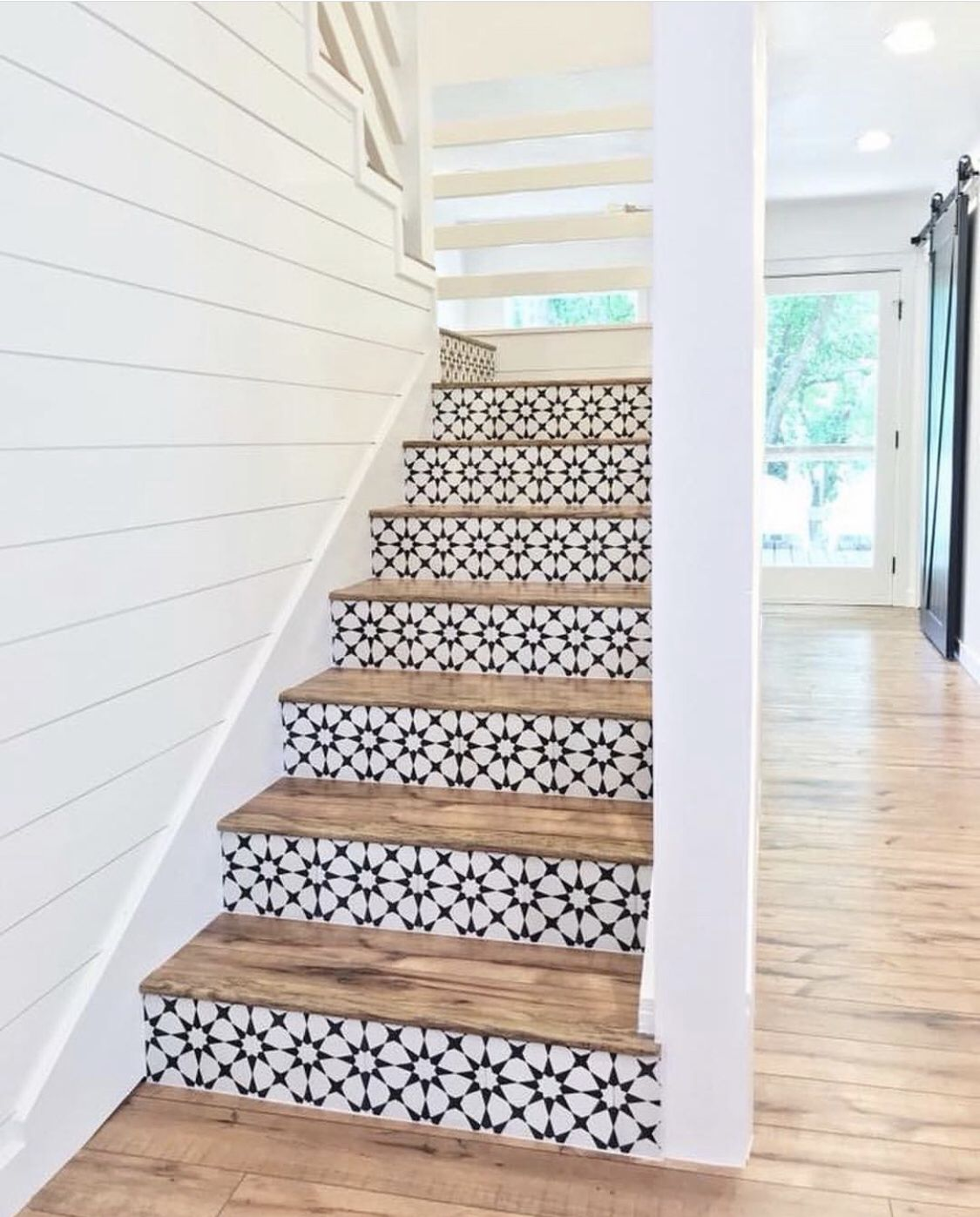 Patterned Staircase Side Note I Love The Shade Of Wood With The Black And White House Design Home Tile Stairs