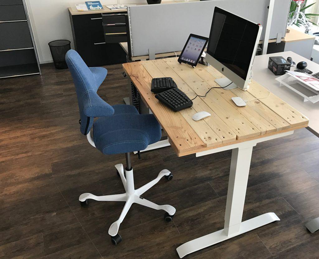 Elektrischer Schreibtisch Mit Euro Paletten Recycling DIY News Bürotisch DIY  Euro Palette Officeplus