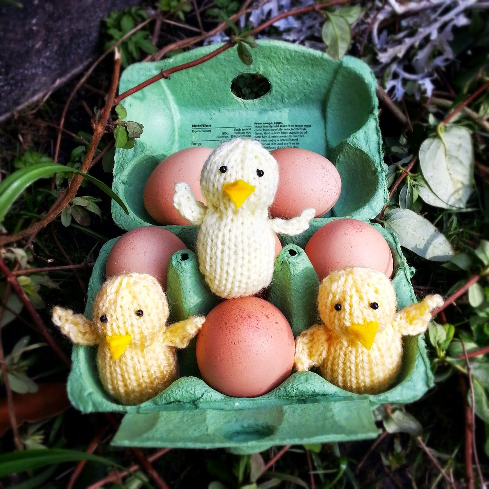 knitted Easter chick free knitting pattern | Easter knitting ...