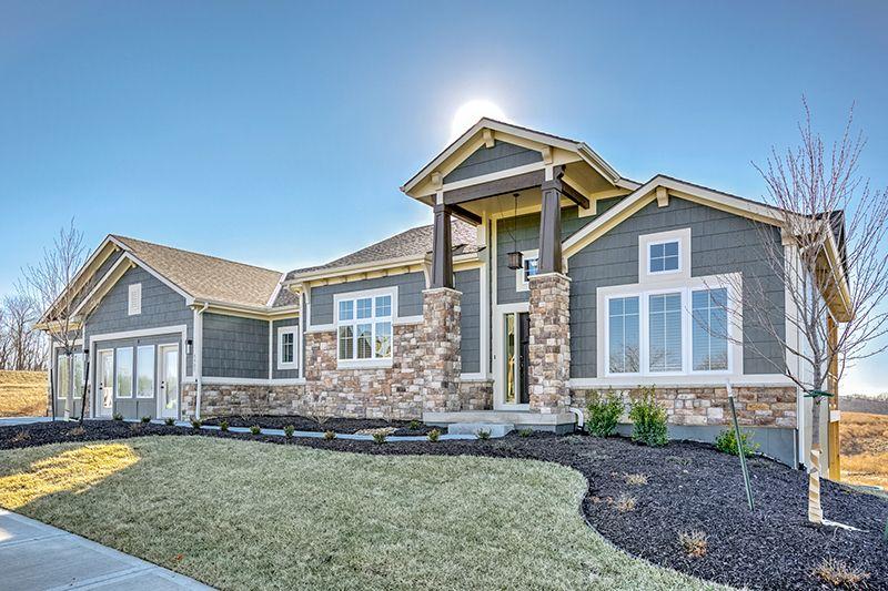 Manitoba Sab Homes Inc Exterior Paint Colors For House Outside House Paint Colors House Paint Exterior