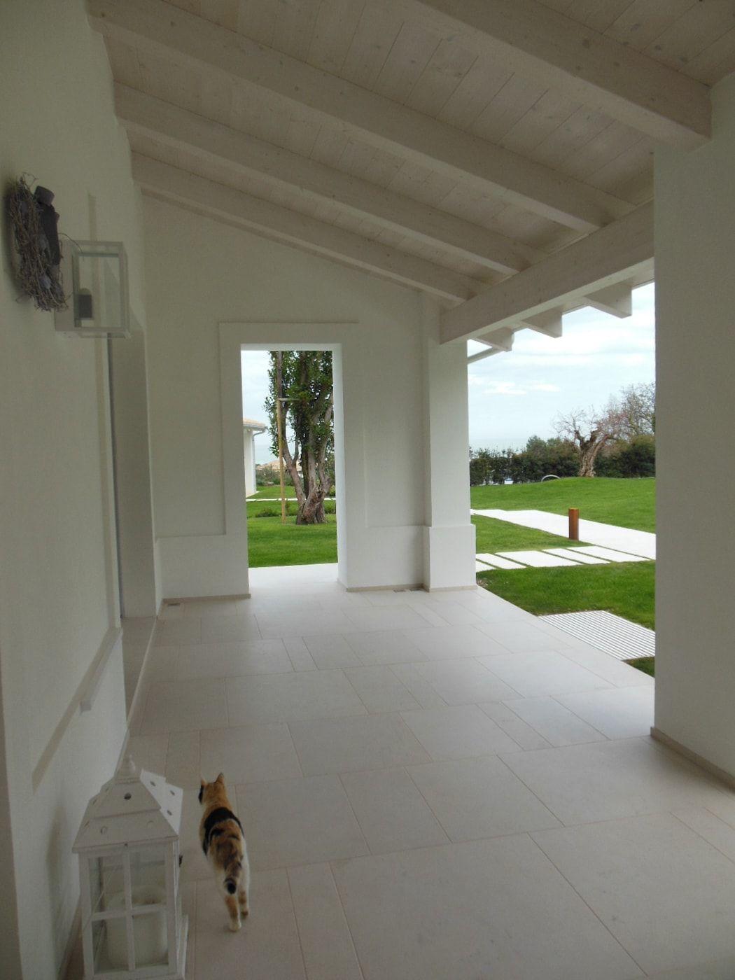 Balcones Y Terrazas Mediterraneos De Ro A Mediterraneo Homify Oficinas En El Hogar Moderno Terrazas Ideas De Diseno De Interiores