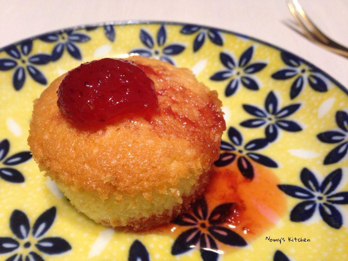 熱蛋糕佐草莓醬