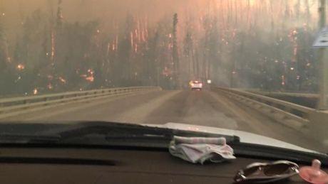 Ottawa Senators' Chris Phillips 'helpless' as hometown of Fort McMurray burns