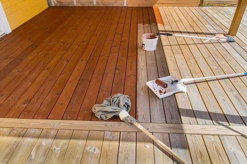 Top 10 Best Deck Stains To Buy In 2020 Homeluf Com Staining Deck Best Deck Stain Wood Deck Stain