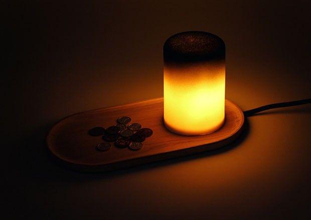 Versatilidade em forma de cerâmica. Um copo se transforma em três luminárias