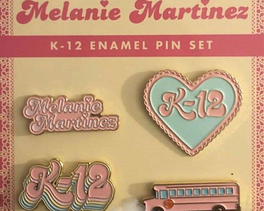 Gefallt 1 492 Mal 24 Kommentare Melanie Martinez Melanies Updates Auf Instagram These Pins Are Melanie Martinez Merch Melanie Crybaby Melanie Martinez