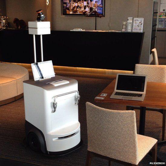 Robot Printer Comes To Your Desk