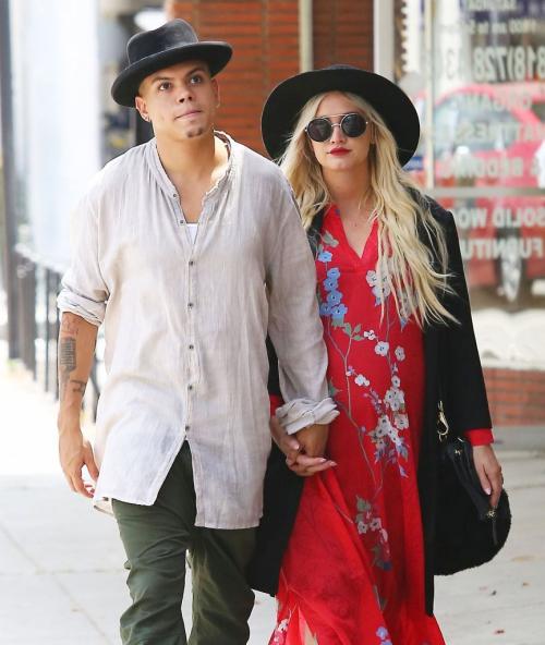 5/20/15 - Ashlee Simpson + Evan Ross shopping in LA.