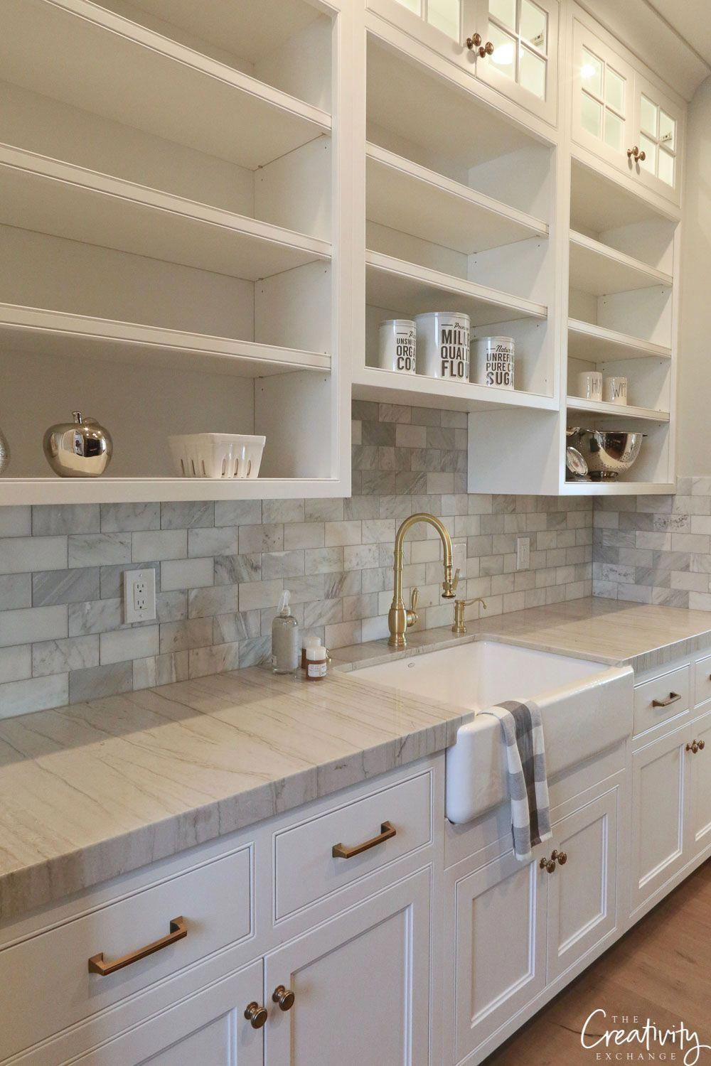 Best Modern Farmhouse Pantry With Farmhouse Sink 400 x 300