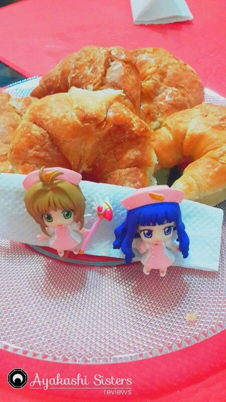 Medialunas bien custodiadas! Tomoyo y Sakura en acción!