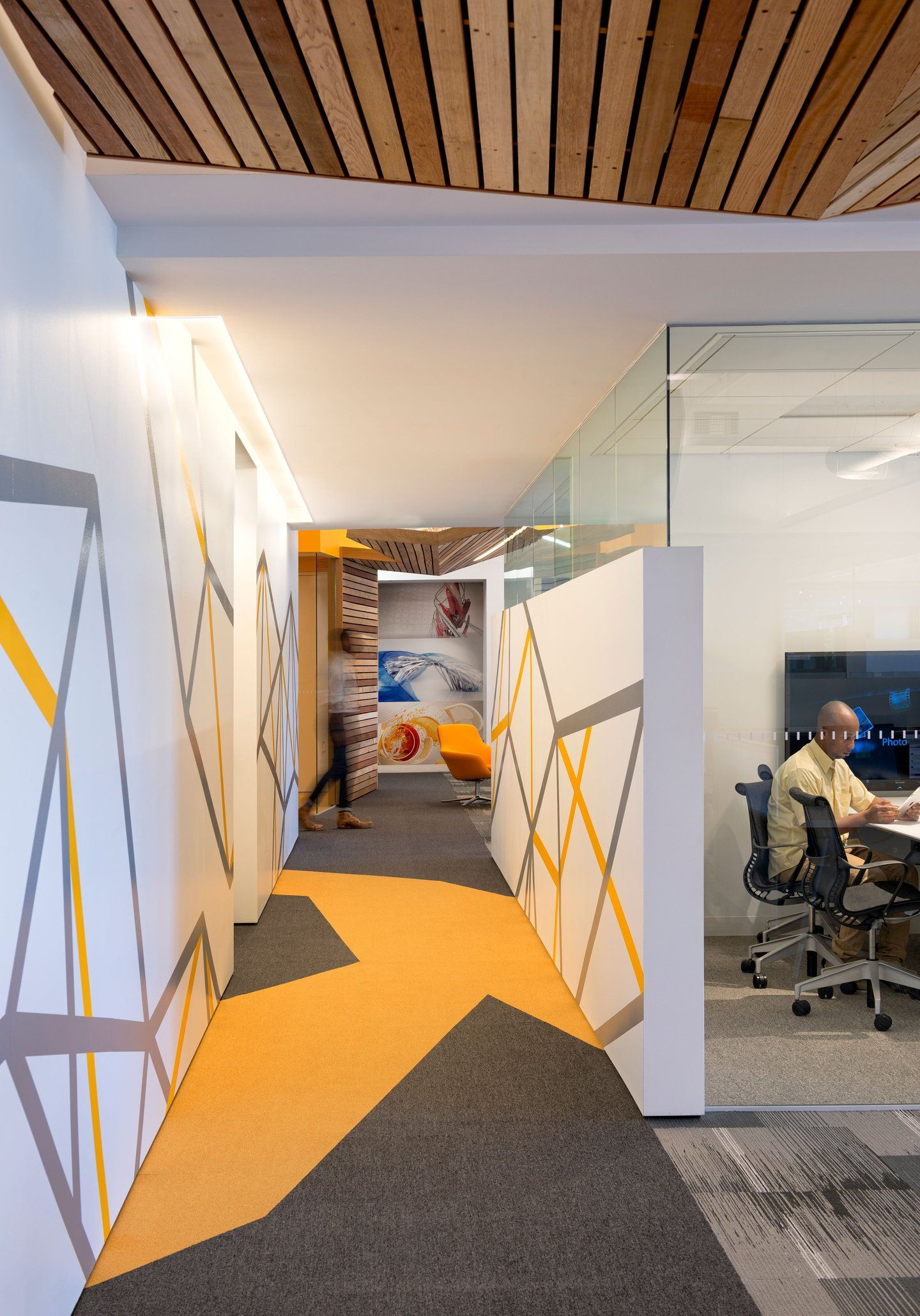 Autodesk meeting room custom spaces eg wall - Graphic design for interior designers ...