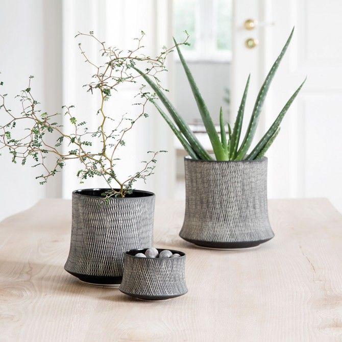 keramik urtepotteskjuler JUST, Retro keramik, urtepotteskjuler, stor, sort | Obje Decor  keramik urtepotteskjuler