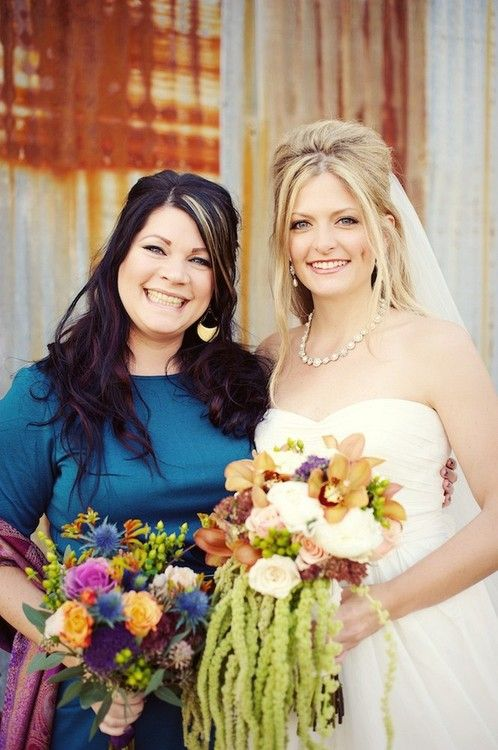 Leigh made her wedding bouquet and it was stunning!