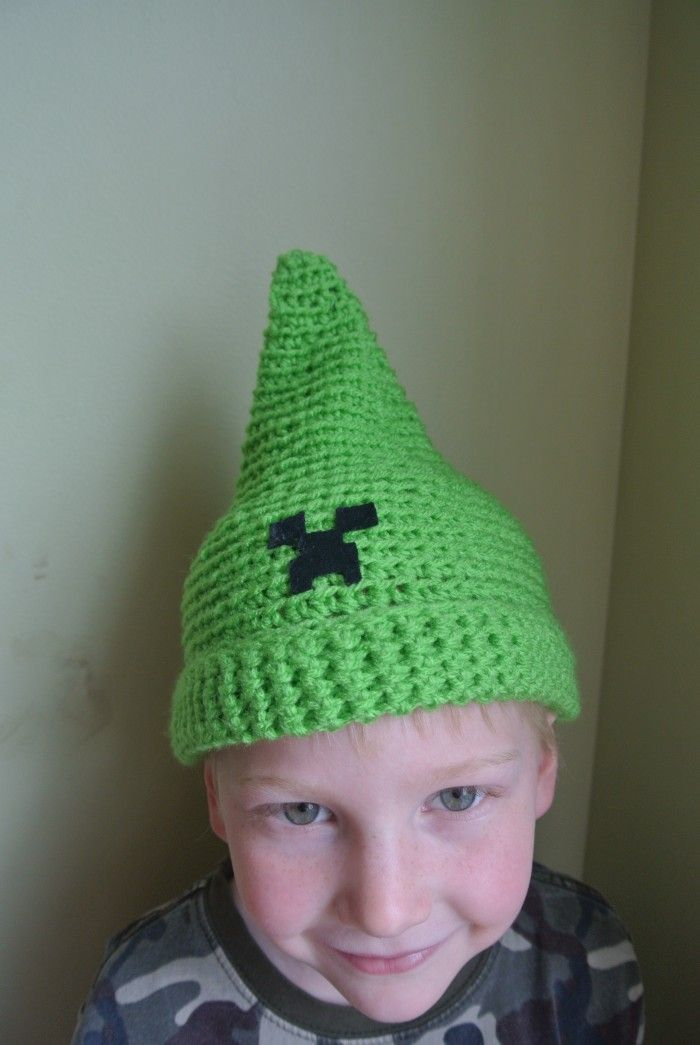 Minecraft Creeper crochet hat