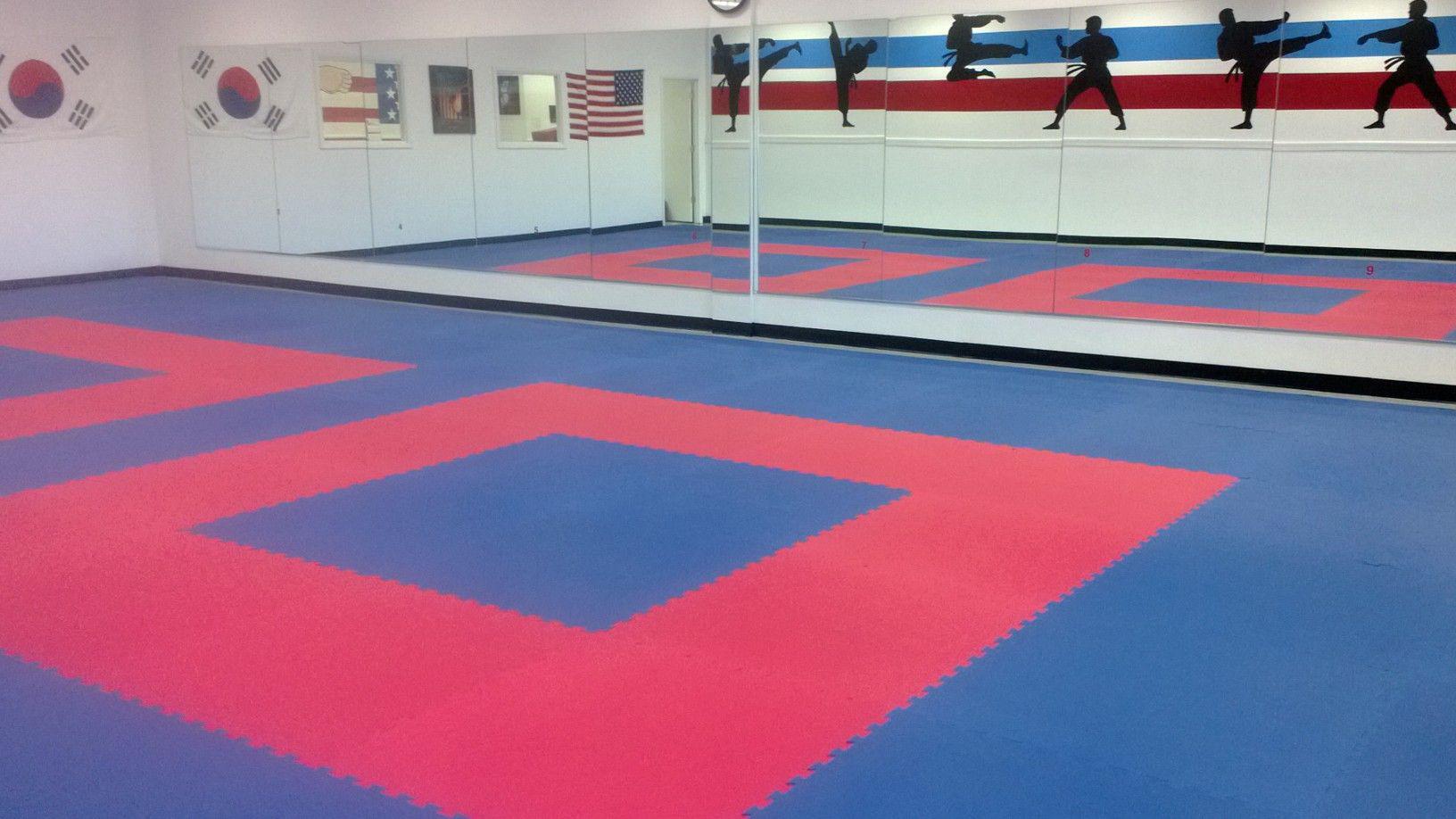 Martial Arts Karate Mat Premium 1 Inch In 2020 Karate Mats Martial Arts Mats Dojo Decor