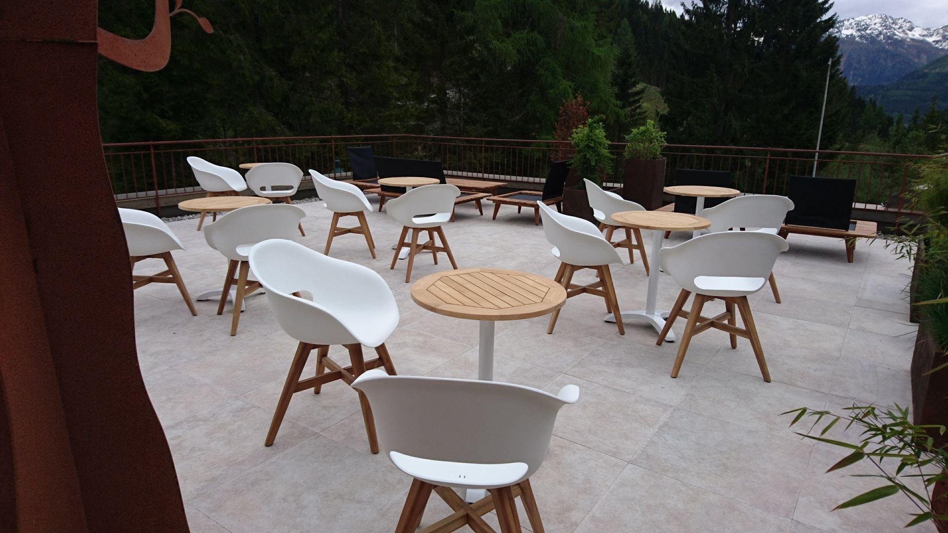 Unsere Terrasse erstrahlt im neuen Design! Besuchen Sie