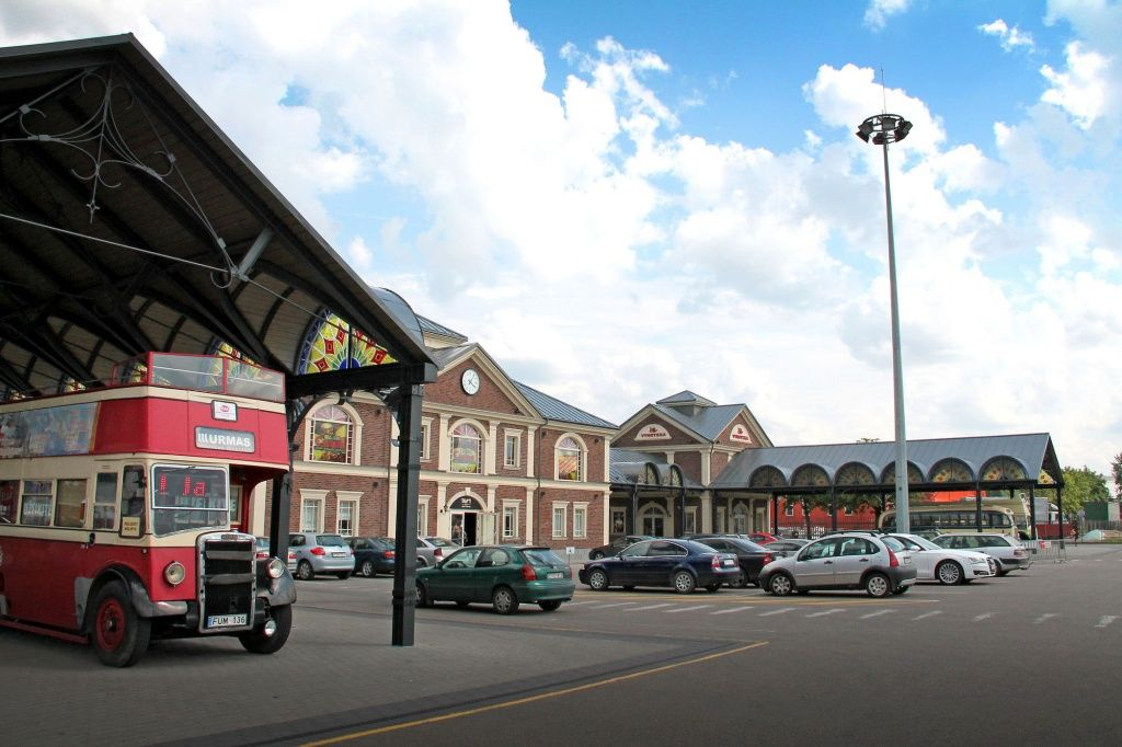Make A Shopping Like A Local In Urmas Market Located By The Bus Station Prekybos Miestelis Urmas Bus Station Like A Local Kaunas
