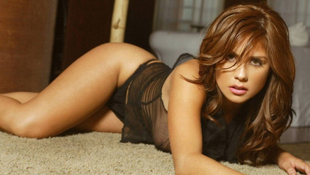 amanda righetti hot