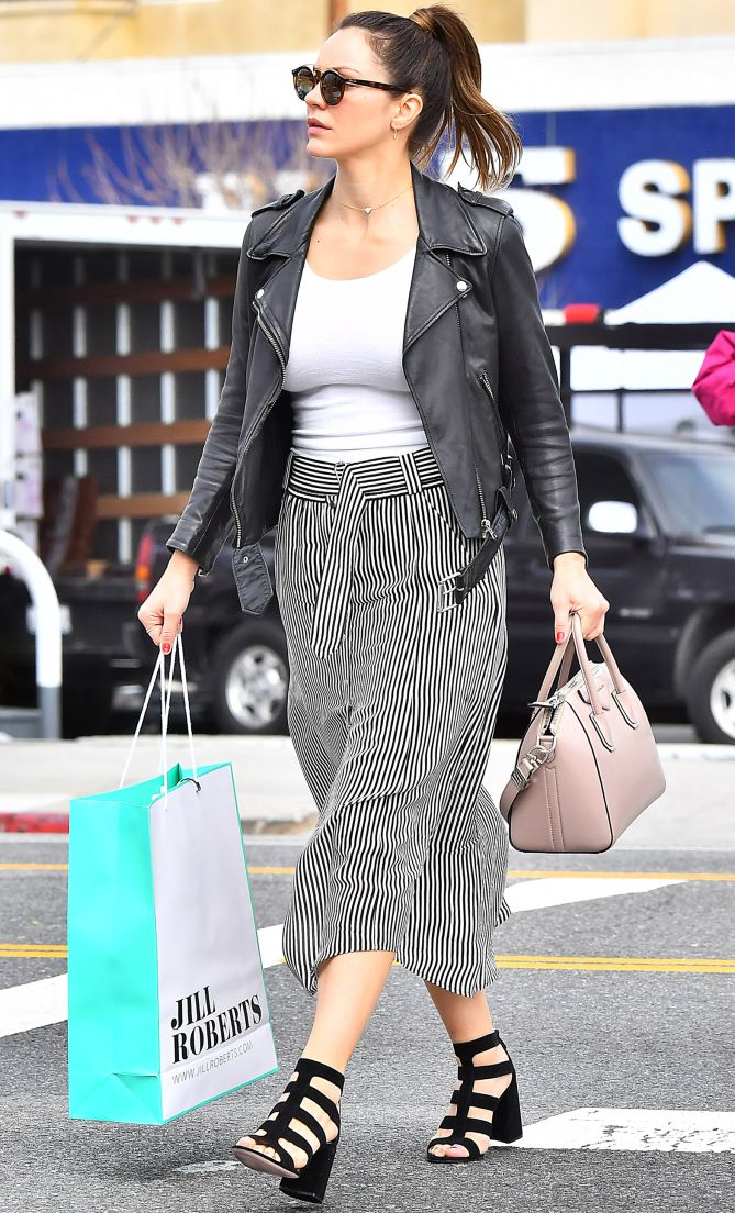 3d9f36ce7a2 Celebrity Style Inspiration  Best Celebrity Inspired Street Style Outfits