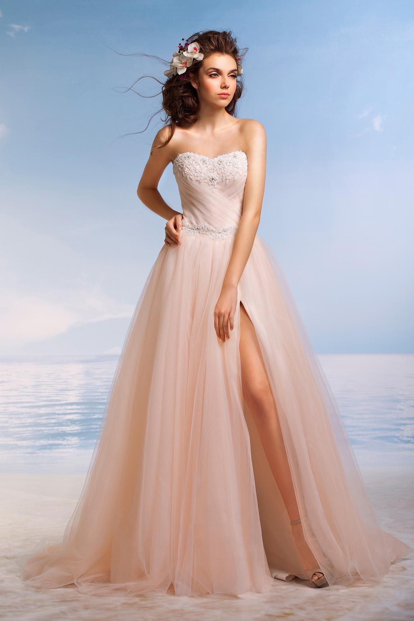 Imagem de Beach Wedding Fashions and Dress Ideas por