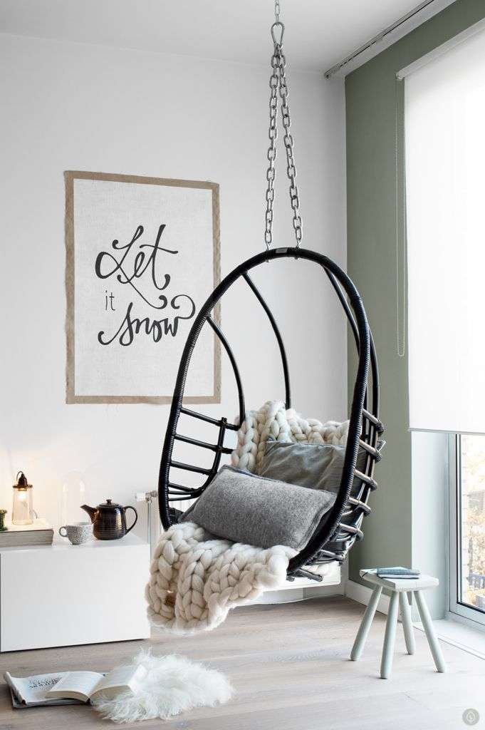 hangstoel woonkamer tanja van hoogdalem     HOME     Pinterest   Hanging chairs, Vans and Room