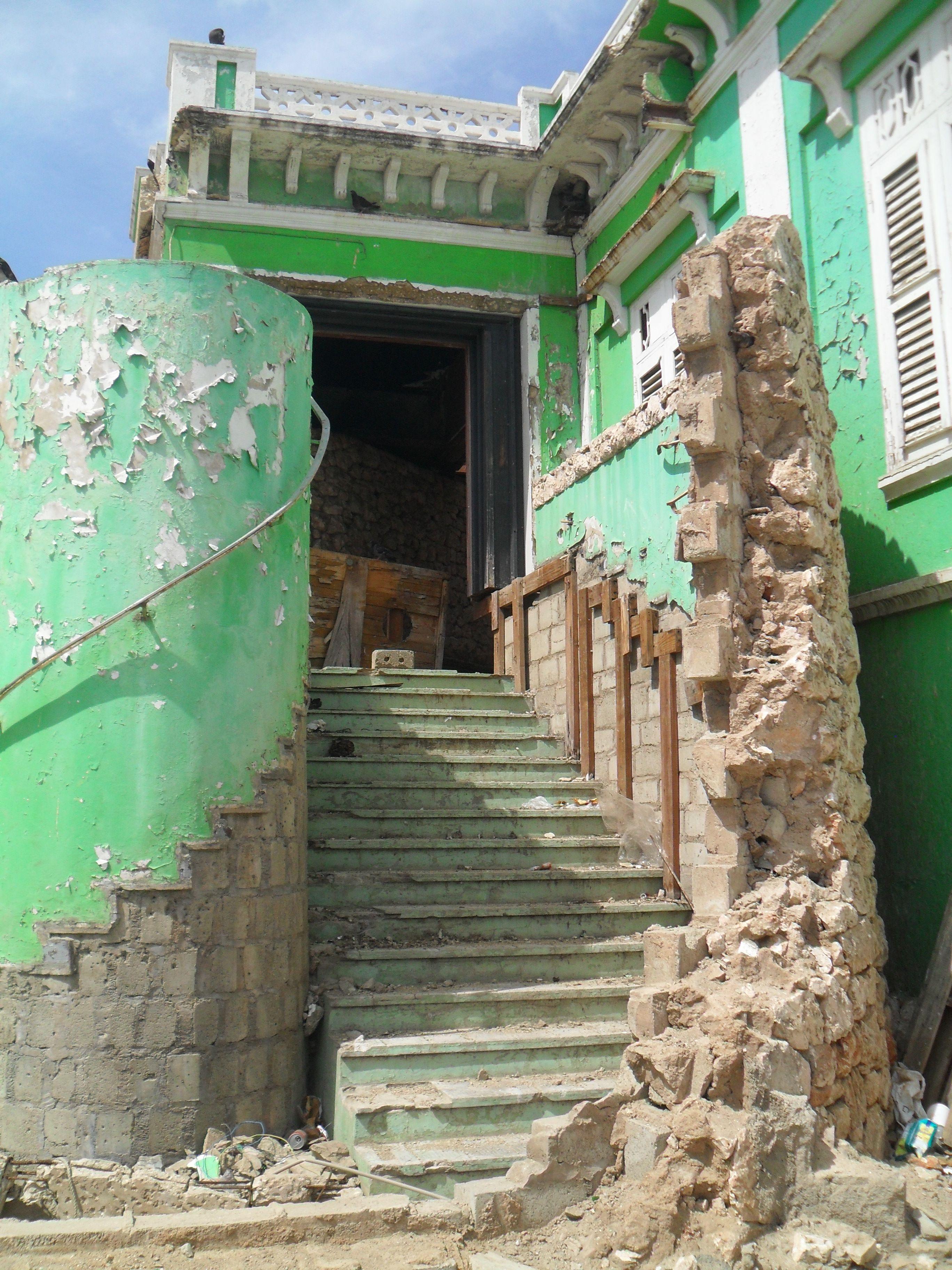 old building in Oranjestad Aruba which I