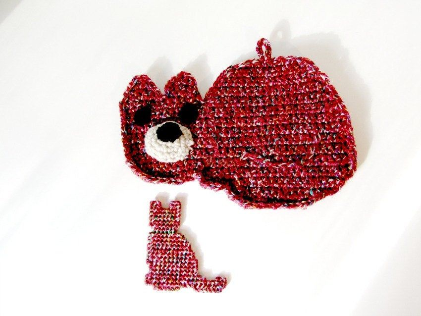 Cat Potholder Or Hot Pad Matching Cat Magnet In Cranberry Red Tweed Cat Themed Kitchen Combo Kitchen Helpers Kitchen Hot Pads Needlework Crafts Cat Theme