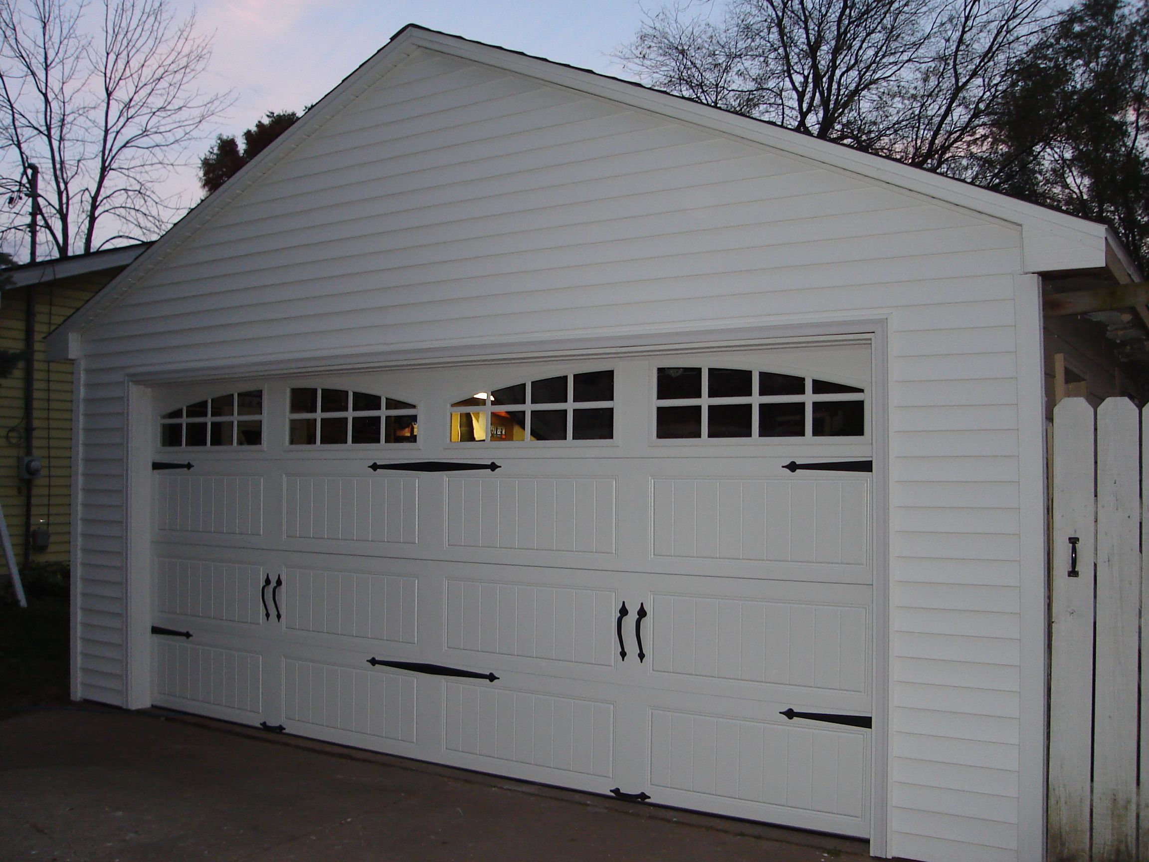 Pics of carriage house garage door detached garage for Build carriage garage doors