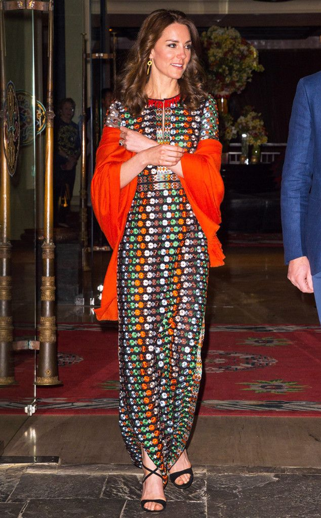 Inside Kate Middleton's Extravagant Royal Tour Wardrobe: $50,000, 40 Designers & 18 Outfit Changes in Just 1 Week | E! Online Mobile