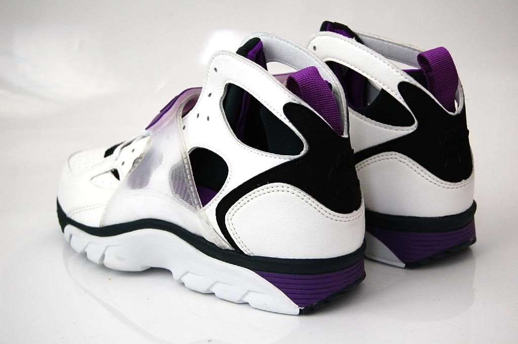 hot sale online 8b73f 91ad8 Nike Air Trainer Huarache 92 | nikes | Nike air trainer ...