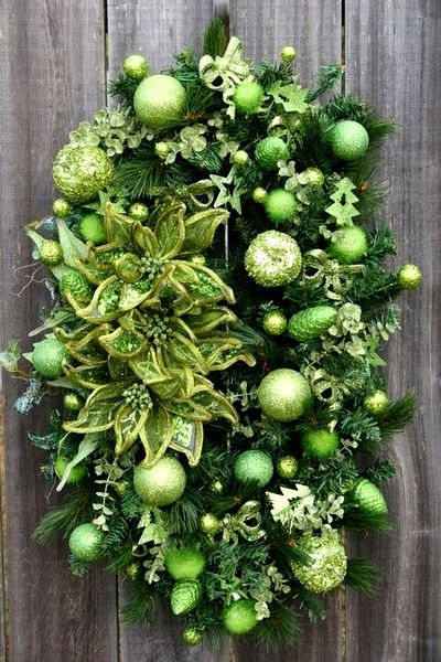 Christmas tree #decorations green All things Christmas Pinterest - christmas wreath decorations