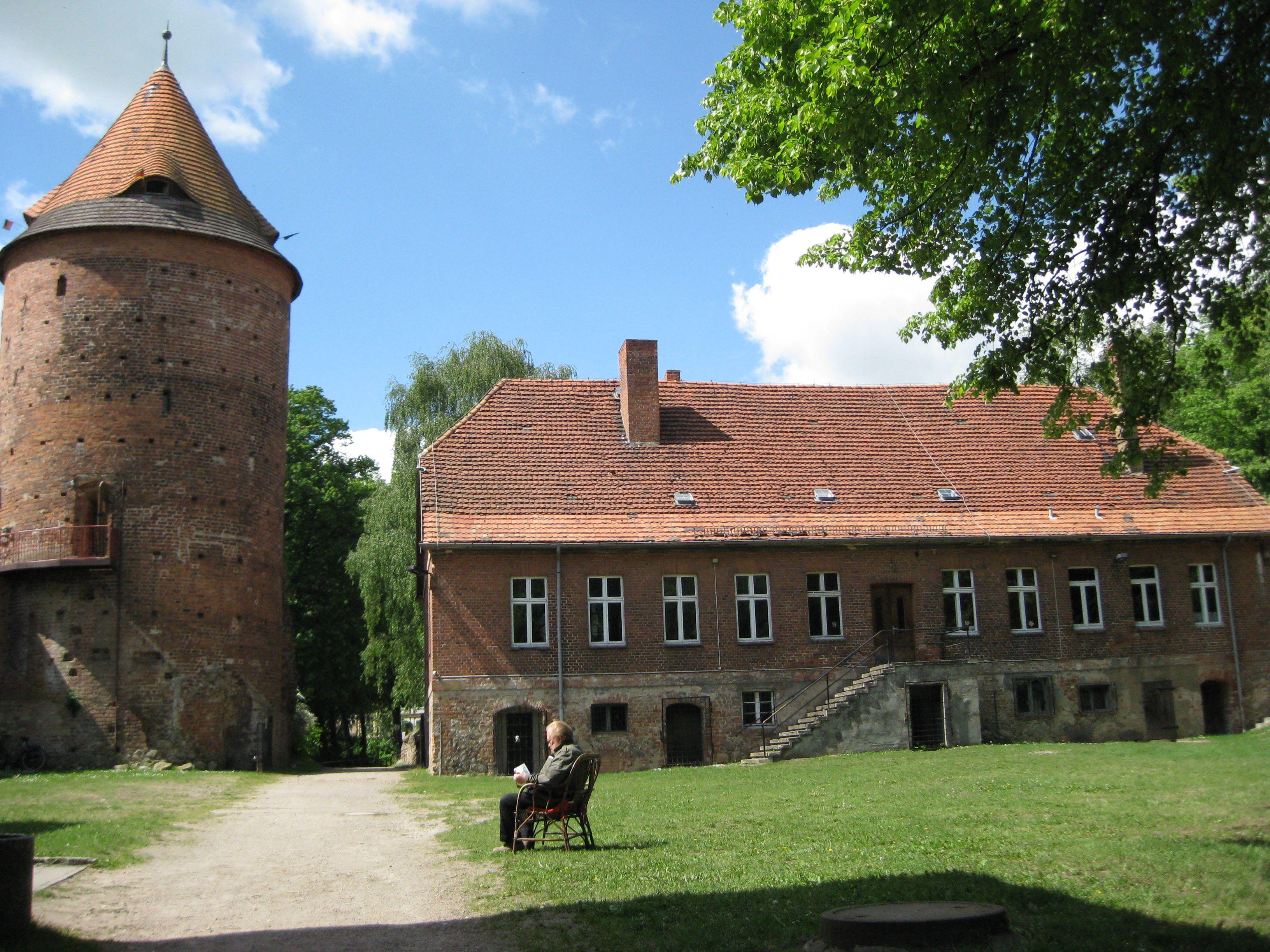 Plauer Burg Old Palace Castle In Plau Am See Germany Grosse Seen Radtouren Erkunden