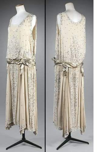 Robe Annees 20 Robe Longue De Soiree Attribuee A Chanel Robe Annees Folles Robe Annee 20 Mode Des Annees Folles
