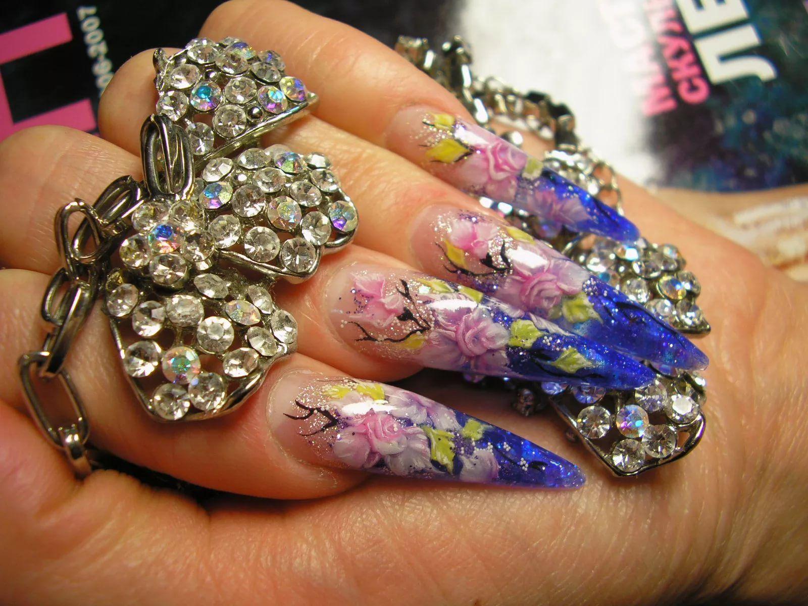 одежда калмыцких фото нарощенных ногтей красивых и ярких жизни для