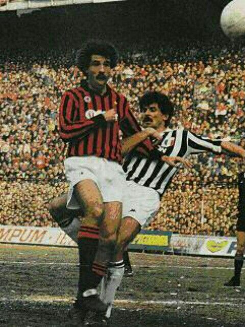 AC Milan 3 Juventus 2 in Feb 1985 at the San Siro. Pietro Pado Virdis is challenged by Luciano Favero in the Serie A clash.