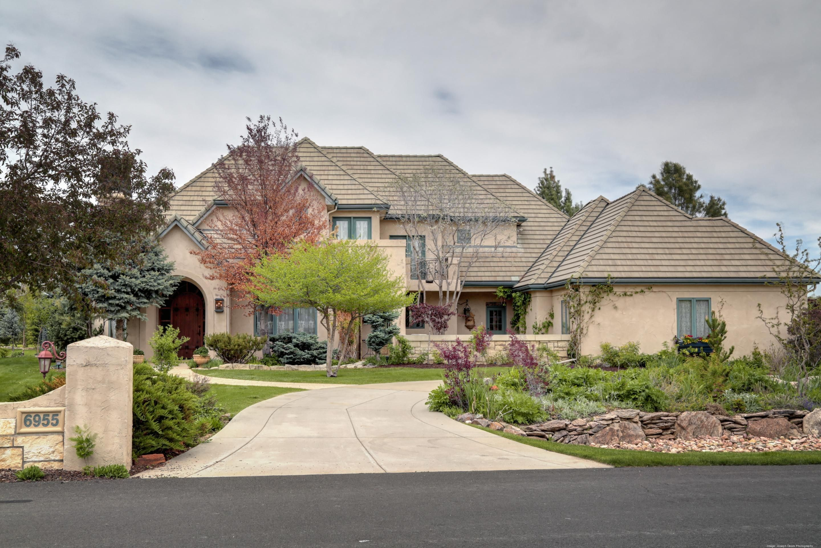 Dream Home And Gardens In Littletonu0027s Polo Reserve   Denver   Home Of The  Day