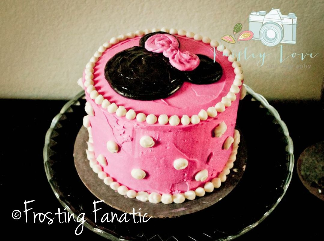Butter cream Minnie Mouse smash cake made by Frosting Fanatic www