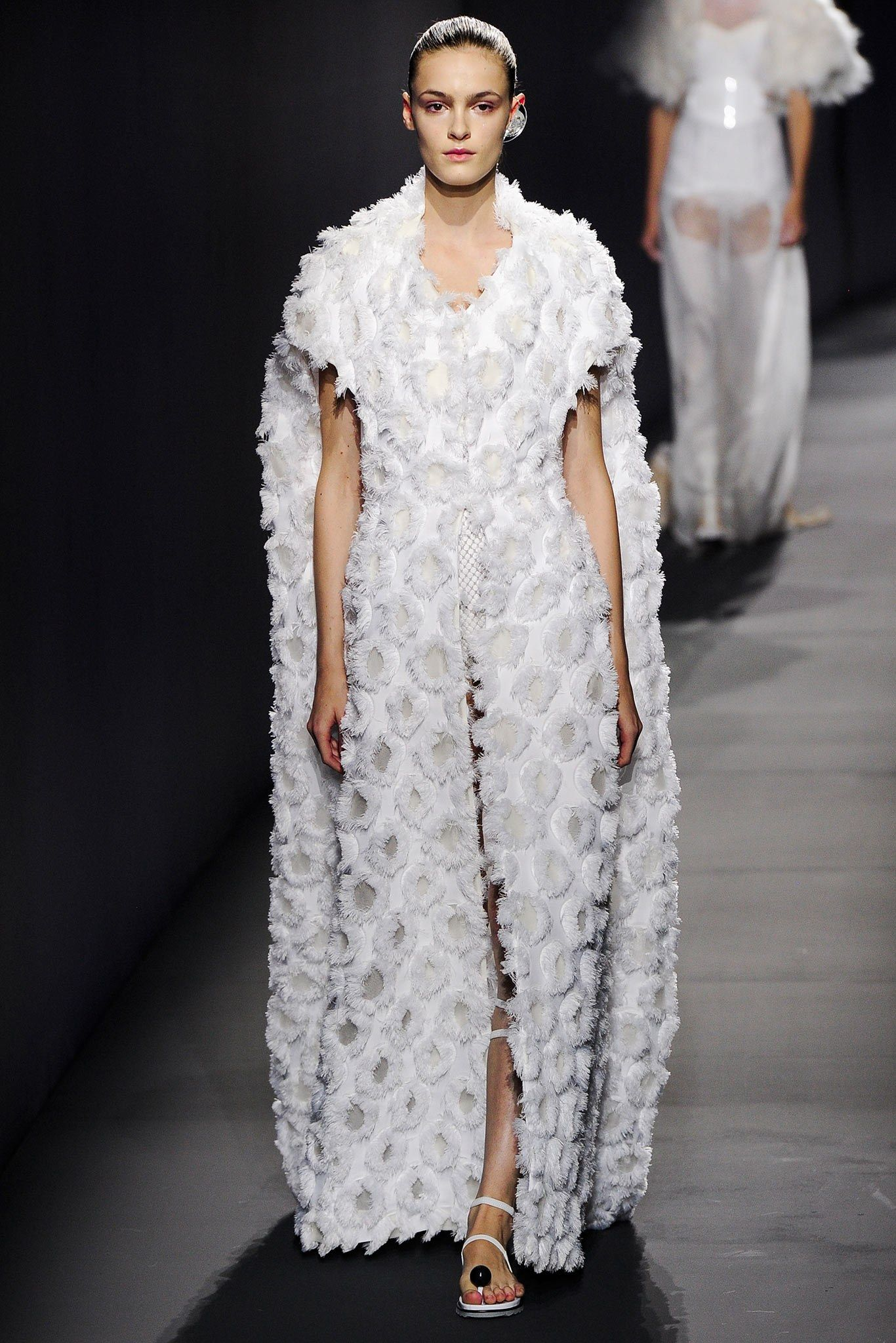 Vionnet Spring 2015 Ready-to-Wear Fashion Show - Kremi Otashliyska (Elite)
