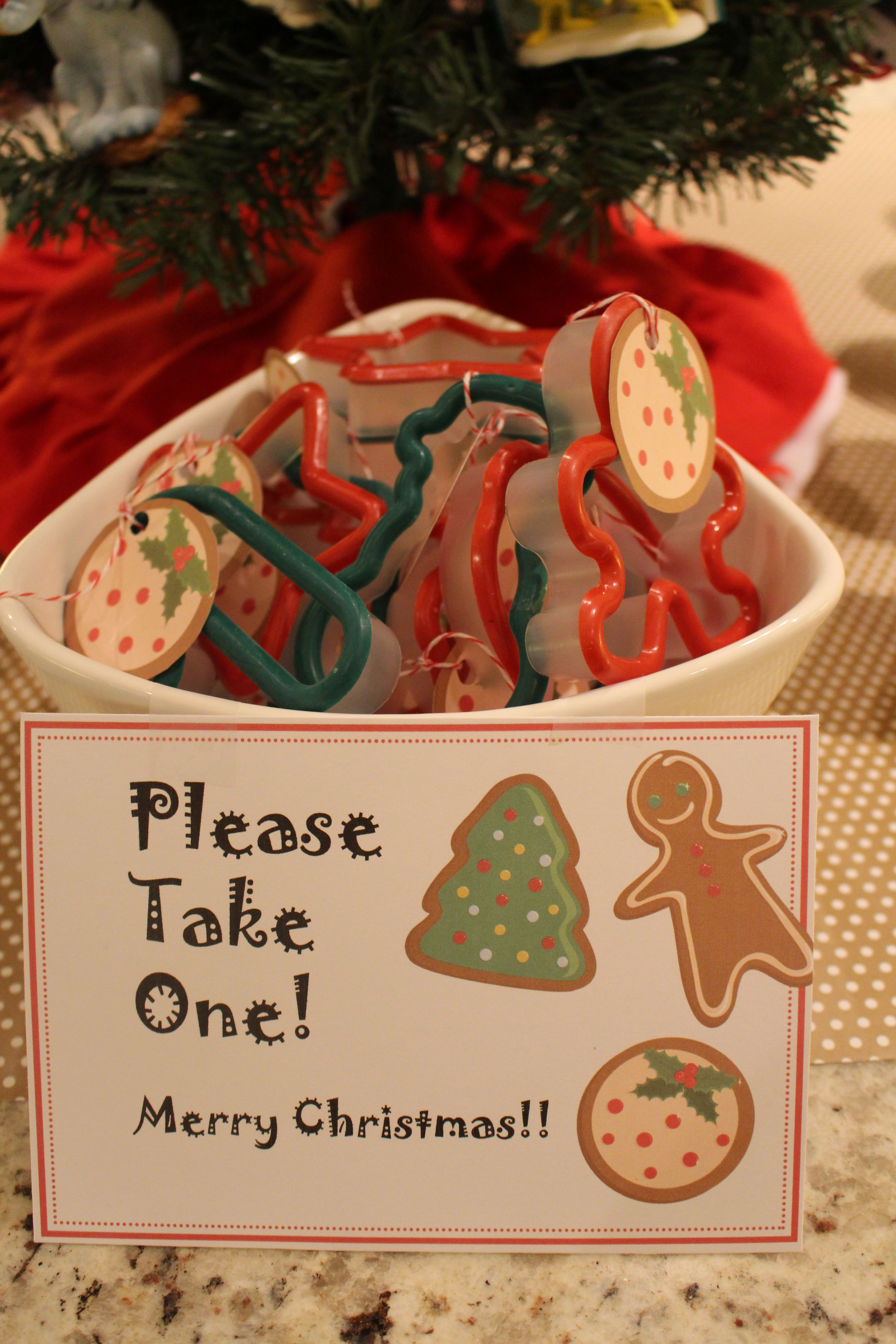 how to host an ornament exchange partythese are so fun  Best