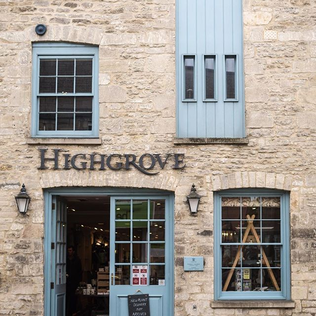 I visited Highgrove Gardens while in Tetbury, but unfortunately no pictures are allowed. You'll have to settle for this snapshot of the estate store in town instead. (The fudge is one of my mom's favorites!)