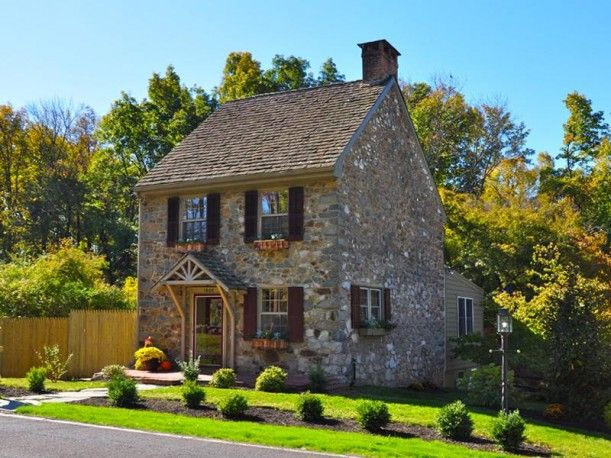 For Sale A Small Stone House In New Hope Pa Colonial House Stone Cottages Old Stone Houses